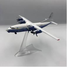 Модель самолёта АН-12 Мотор Сич (борт - UR-11819)